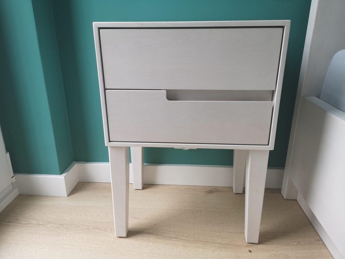 szafka nocna bukowa bielona dwie szufladki
