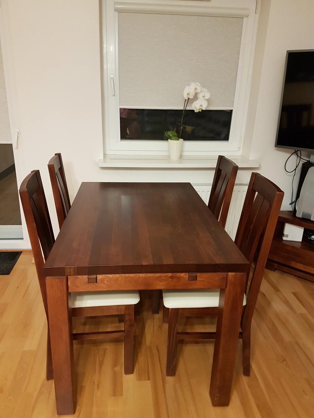 Komlet stoł+ krzesła tapicerowane drewniane