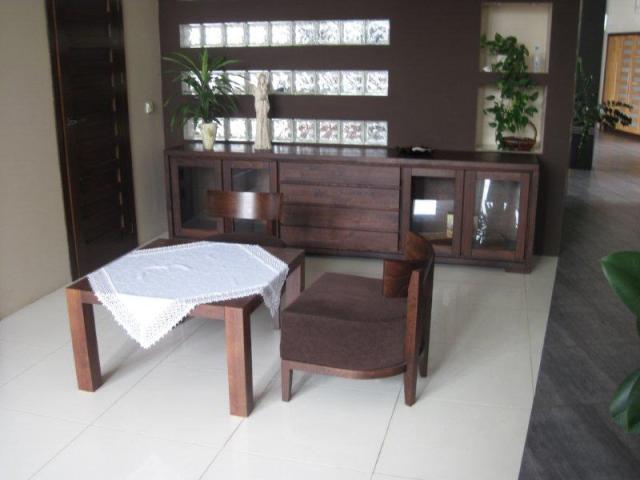 fotel do stolika kawowego