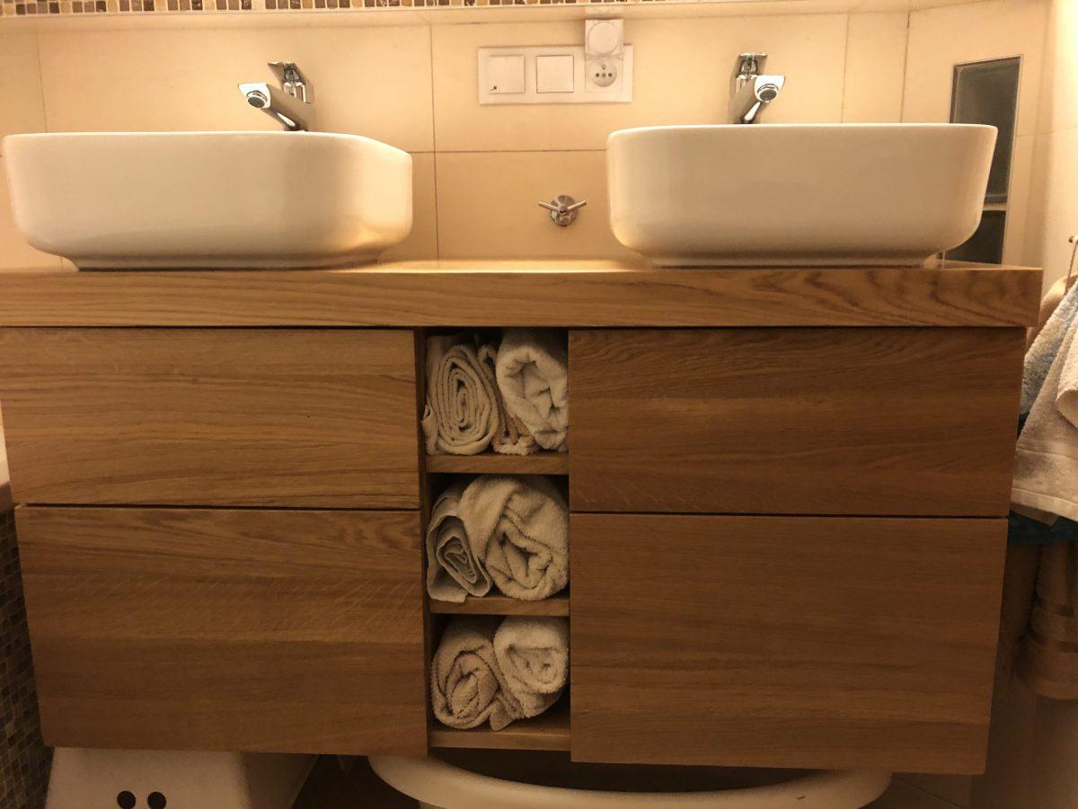 komoda dębowa łazienkowa