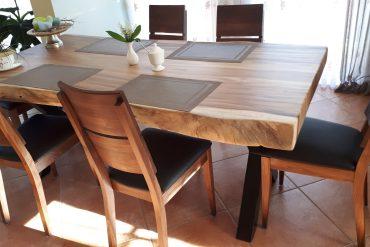 Stół-i-krzesła-Orzech
