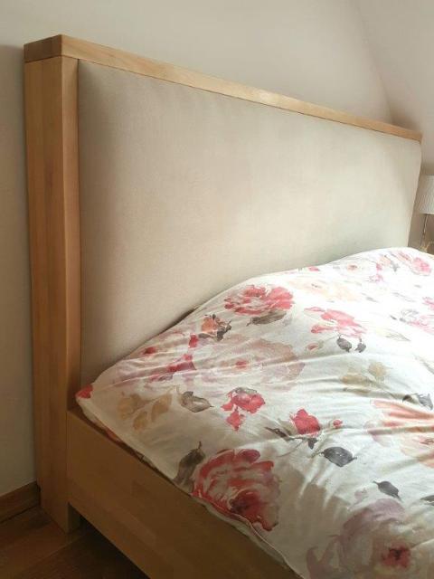 zagłowek tapicerowany łóżko bukowe