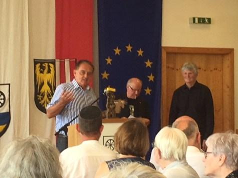 Gratulation durch den Ersten Bürgermeister von Julbach, Bayern