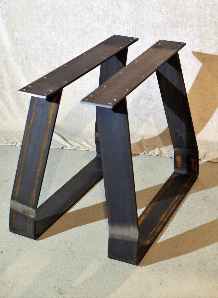 gebogene Tischkufe Stahl 120x10