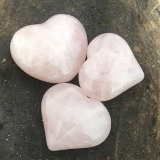 rozekwarts hartjes gepolijst mineralen