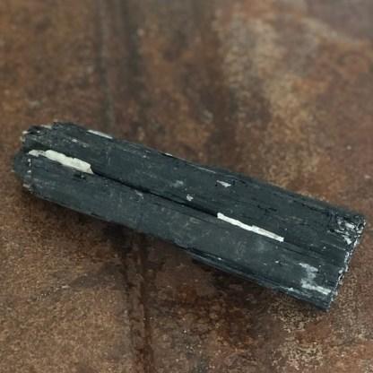 toermalijn zwart ruw stuk XL de schatkamer mineralen