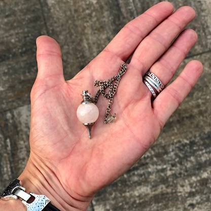 rozekwarts pendel gepolijst mineralen spiritueel