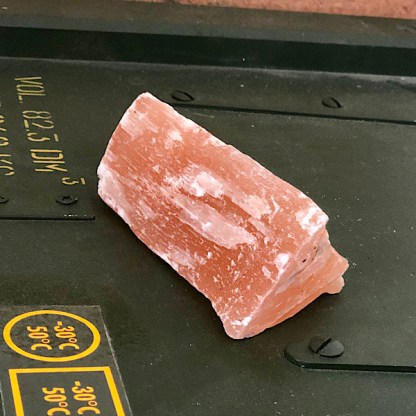 seleniet oranje ruw stukje satijnspaat mineralen