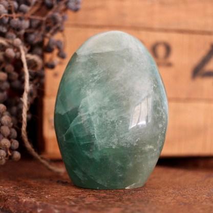 fluoriet sculptuur groen gepolijst mineralen
