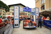 Moreth Erich und Kaufeisen Christiane auf Buick Special Sedanette 4-door BJ 1941