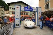 Buchwinkler Hans und Buchwinkler Lisbeth auf Porsche 356 B BJ 1963