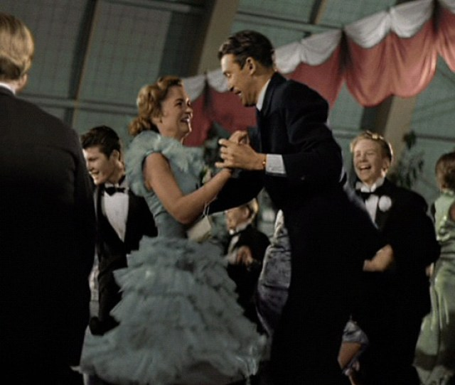 The Its A Wonderful Life Dress Part 1 Research Sewing