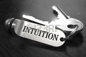 intuicion-llaves-con-llavero-en-mesa-de-madera-negro-vista-de-cerca-foco-selectivo-3d-rinde