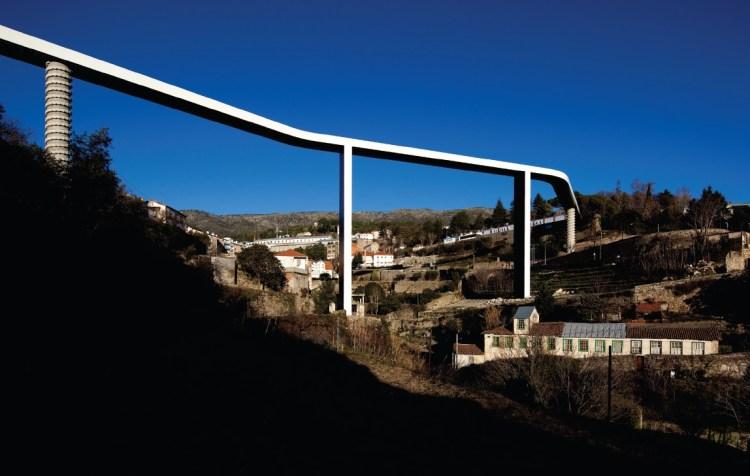 Portugal. Puente. Foto de fg+sg - fotografia de arquitectura.jpg