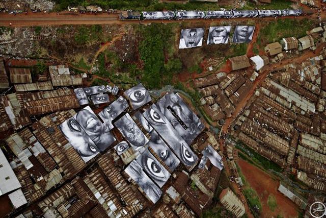10_28_millimetres_women_are_heroes_kibera_kenya_2009