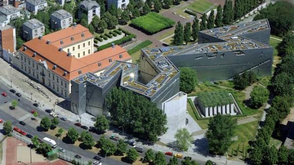 Museo Judío de Berlin. Daniel Libeskind [1989]