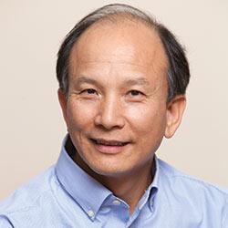 Qigong Master Chunyi Lin
