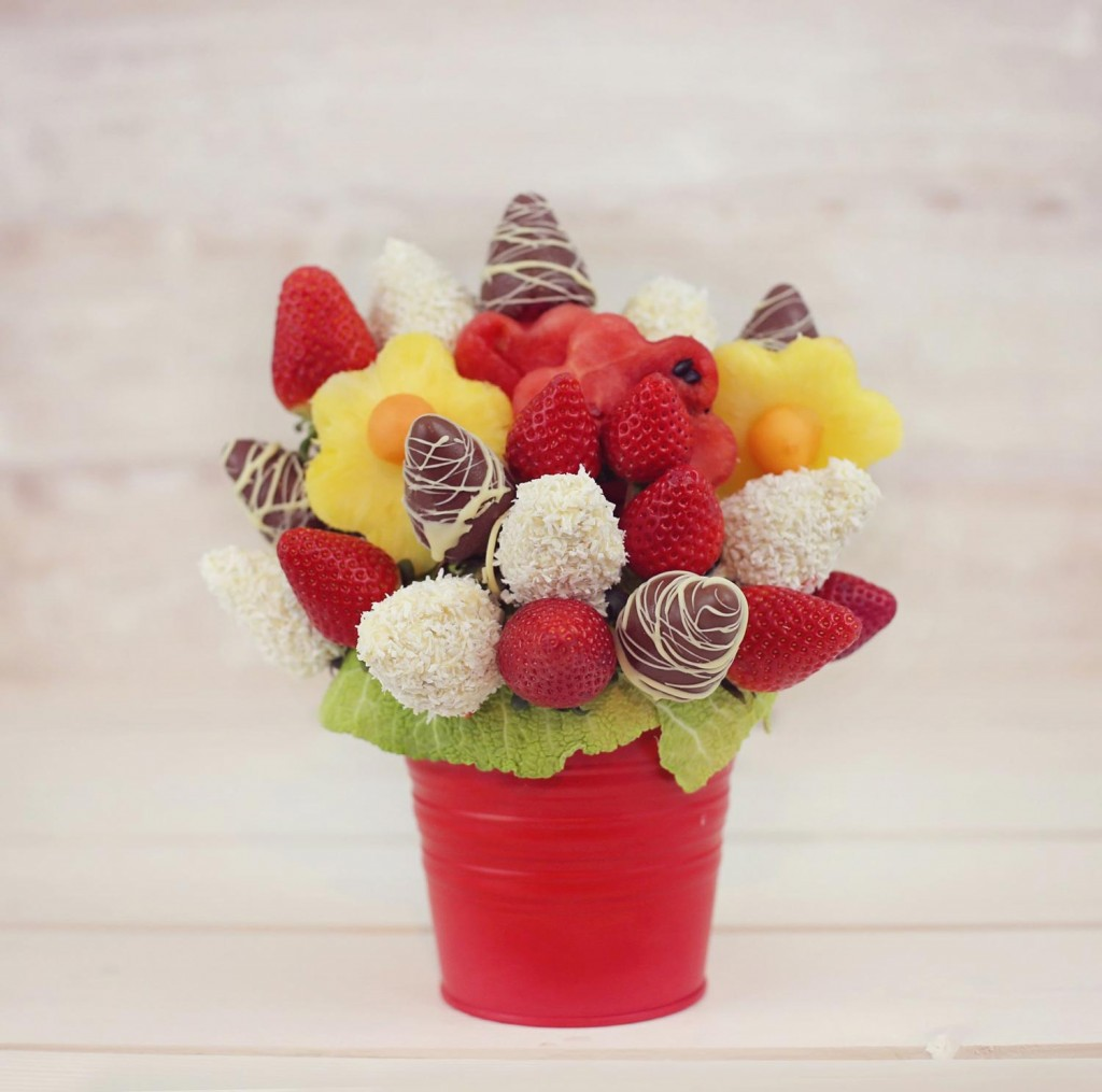 Edible Fruit BouquetsHampers Available For Delivery London