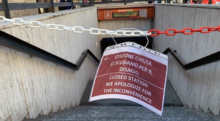 Metro A Stazione Barberini chiusa