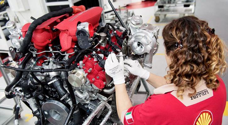 La Ferrari ottiene l'equal-salary che certifica la parità retributiva uomo-donna