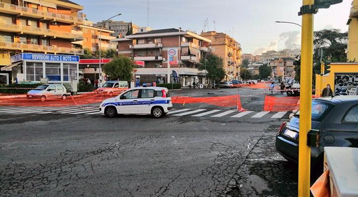 Sesto giorno di chiusura per via Mattia Battistini