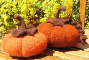 free knit pattern Knitty Jordana Paige Felted Pumpkin