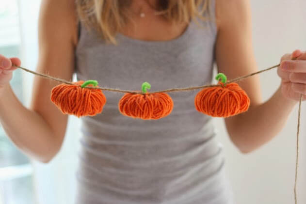 free craft pattern yarn pumpkin garland