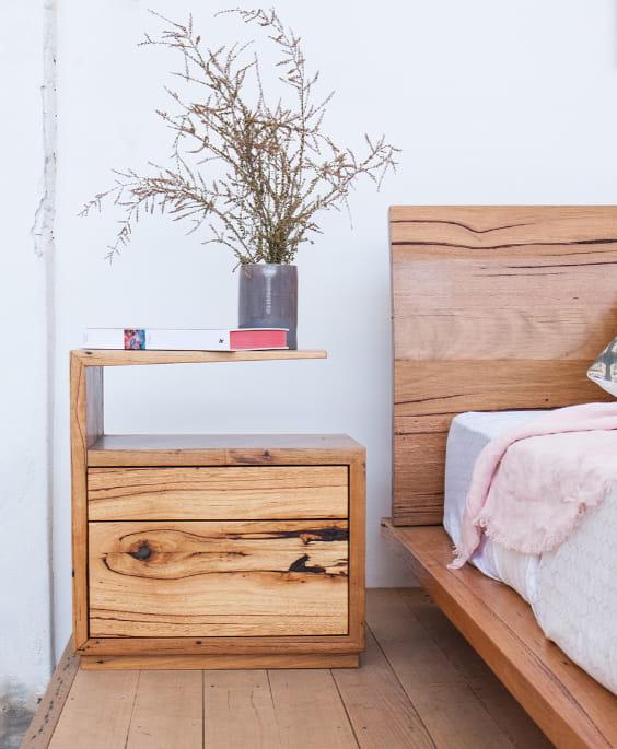 Comodino letto in legno
