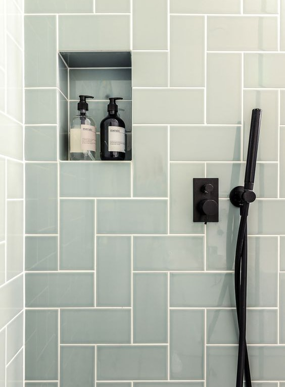Mattonelle dell'interno doccia