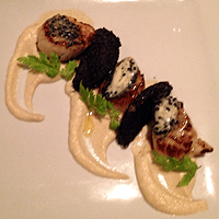 Scallops, black pudding, celeriac puré and caviar butter. Mmm!