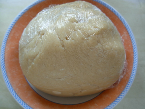 04-Sablee-pastry-cling-film