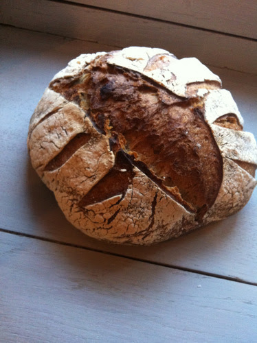 Vermont Sour Dough again. I took a loaf round to a couple in the village. Whilst I supped my coffee (having already eaten) they launched into the loaf and demolished half in no time.