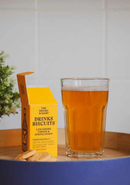 Drinks Biscuit with beer - Lancashire Cheese and Spring Onion