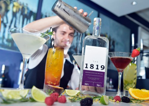 Apex Hotel Waterloo Place created 'The 1819' gin to celebrate its 200th birthday © Sandy Young Photography 07970 268944 Apex Hotels launch its 200th anniversary celebrations for its Waterloo Place property by unveiling a new bespoke gin, The 1819, in homage to the hotel buildingÕs long standing place in EdinburghÕs skyline. The new gin, which takes its name from the date the building was completed, draws on inspiration from Isa Gray, the famous botanist and close friend of Charles Darwin who frequented the Waterloo Place hotel. E: sandy@scottishphotographer.com W: www.scottishphotographer.com