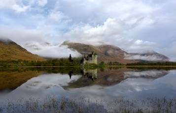 Morning mist on loch awe