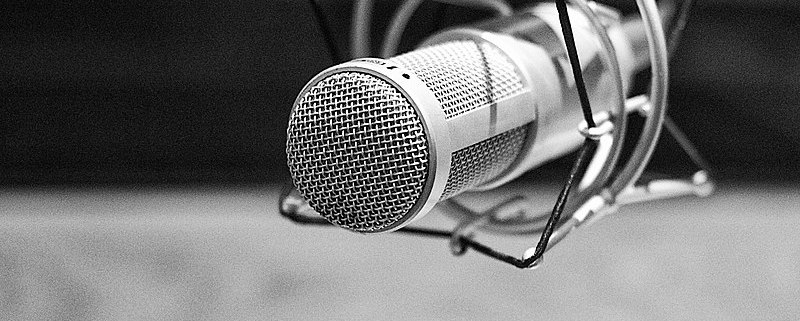 microphone podcast