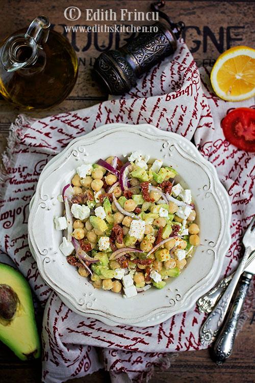 salata-de-naut-cu-avocado-1