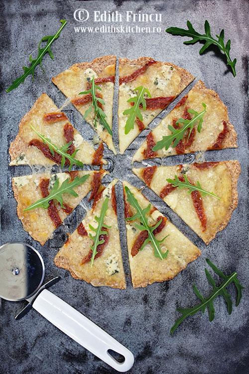 pizza-cu-rosii-uscate-si-branza-1
