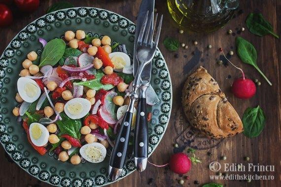 salata-cu-ardei-copt-si-naut-3