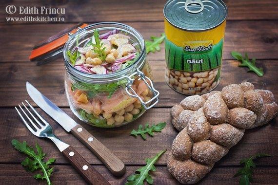 Salata cu naut si somon / Salata cu naut si somon ruccola si ceapa rosie / Edith's Kitchen