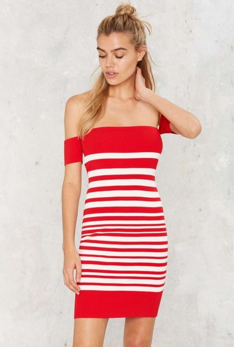 6893214e28f 15+1 Καλοκαιρινά φορέματα με έξω τους ώμους! – Kliktv.gr
