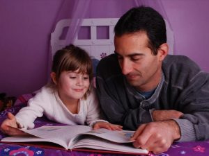 father-daughter-reading
