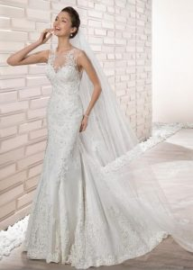 7392d02533f2 Για όσες γυναίκες θέλουν να φορέσουν κάτι πιο απλό ο οίκος νυφικών Demetrios  μπορεί να τις ικανοποιήσει