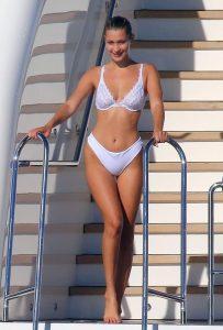 Bella-Hadid ololeuko bikini