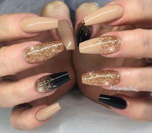 nude-chriso manicure