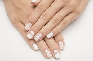 negative space nail arts
