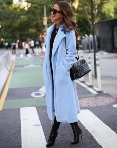 γαλάζιο μακρύ παλτό