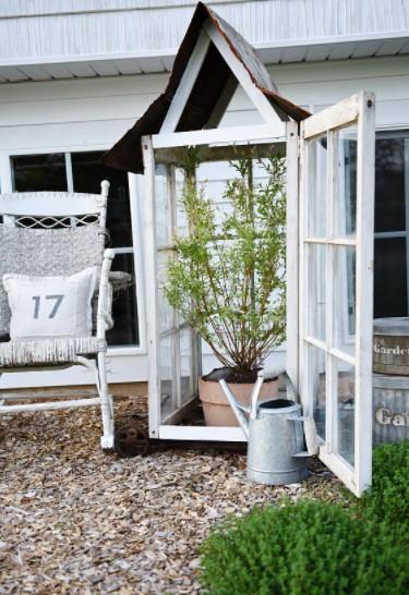 διακόσμηση με βίντατζ παράθυρα φυτώριο