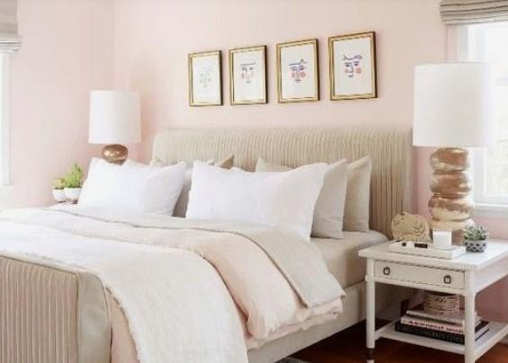 απαλό ροζ στην κρεββατοκάμαρα