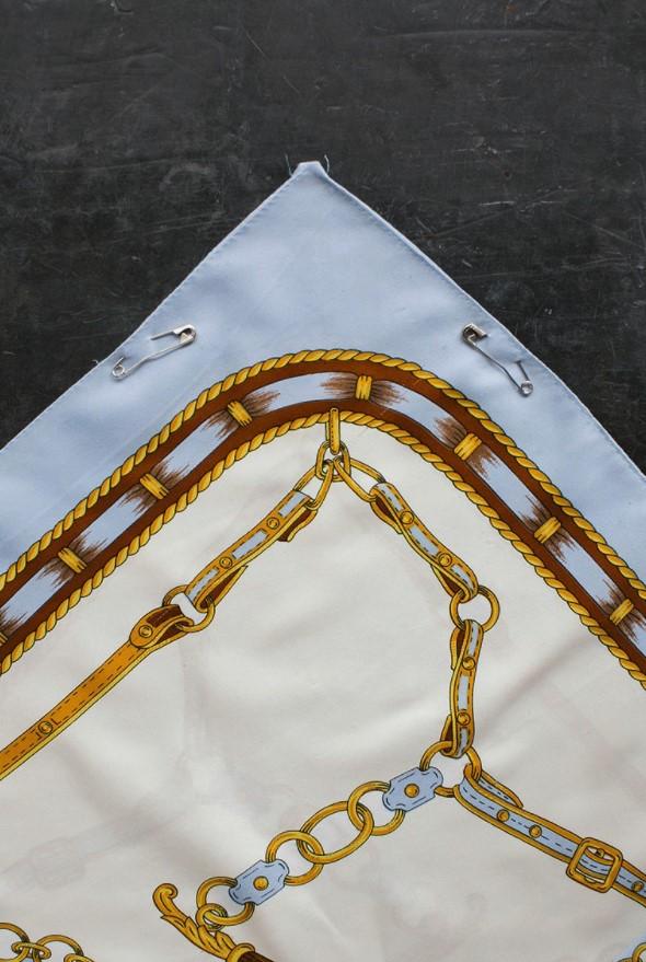 μαντήλι με παραμάνες